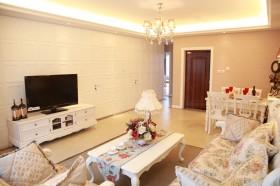 欧式浪漫的二居室客厅电视背景墙装修效果图