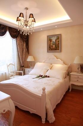 二居室欧式浪漫的卧室吊顶装修效果图