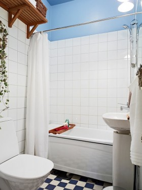 90㎡小户型简欧卫生间浴缸瓷砖效果图