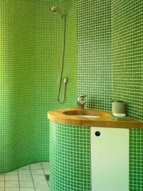 60平小户型家庭卫生间瓷砖效果图