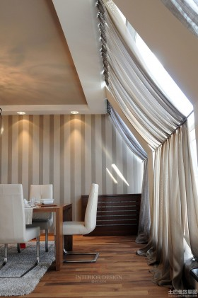 家装餐厅窗帘效果图