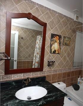 两室一厅田园风格装修卫生间瓷砖图片