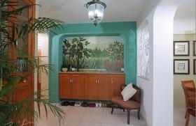 三室两厅田园风格进门玄关隔断装修效果图