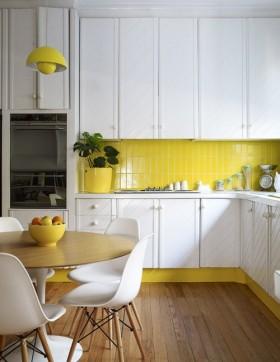 两室一厅现代简约风格厨房橱柜装修效果图