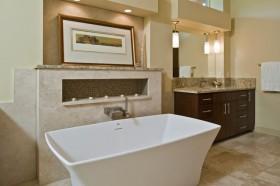 卫生间浴缸地中海装修设计