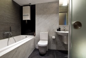 80平米小户型厕所瓷砖装修效果图