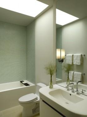 17万打造现代风格二居卫生间装修效果图大全