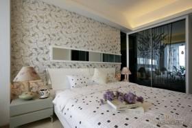 现代风格卧室装修效果图大全2013图片