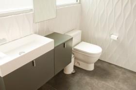 2室2厅简约风格厕所装修效果图