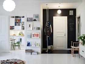 二室二厅北欧清新的进门玄关装修效果图
