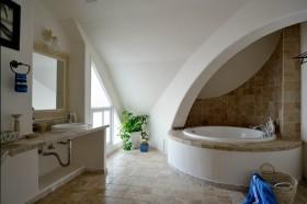 地中海别墅卫生间设计图