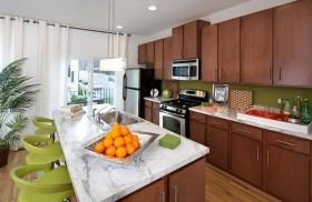 95平米绿色田园 清新的厨房整体橱柜装修效果图