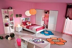 粉红色公主童房衣柜装修图片