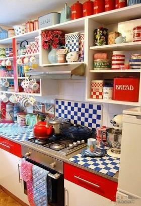 色彩斑斓的小厨房装修效果图大全2012图片