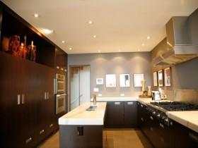 27万打造奢华欧式风格复式厨房橱柜装修效果图大全