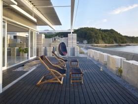 透明简约的别墅阳台装修效果图大全
