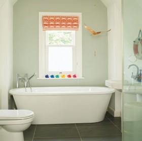 70平米小户型家庭卫生间浴缸装修效果图大全
