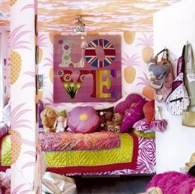 浪漫可爱粉色的儿童房背景墙装修效果图
