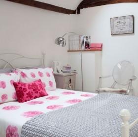 经济型装修 复式简约温馨卧室装修效果图