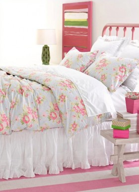 小户型田园碎花妆点的卧室落英缤纷