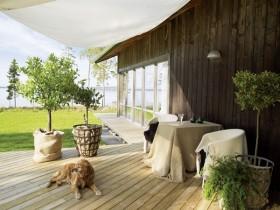 波兰安静的湖边复式楼阳台装修效果图大全