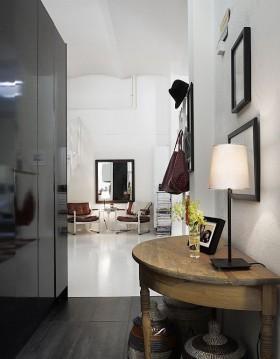 80平男士单身公寓玄关装修效果图