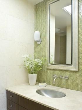 40㎡小户型打造春暖花开的卫生间瓷砖效果图