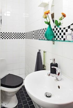 80平小户型现代家庭厕所装修效果图