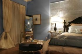 90平小戶型地中海風格奢華臥室窗簾裝修樣板房