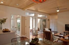 二居室现代风格客厅一角装修效果图大全