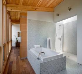 密林中的现代风格别墅卫生间装修效果图大全