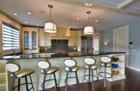 三室两厅创意厨房吧台装修效果图大全