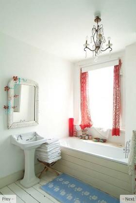 色彩明朗的田园风格小户型卫生间装修效果图