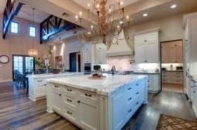 160平欧式别墅厨房整体橱柜效果图