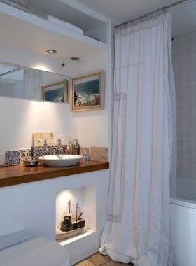 情迷地中海风格复式楼卫生间窗帘装修效果图