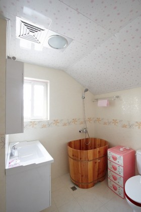 70平米小户型婚房 卫生间装修效果图大全