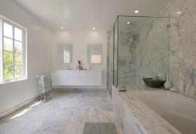 40万华丽后现代装修风格卫生间浴缸图片