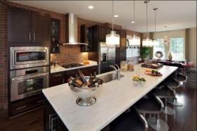 美式现代风格餐厅厨房装修效果图
