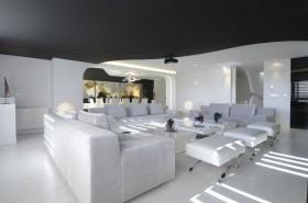 白色简约的复式楼客厅装修效果图大全