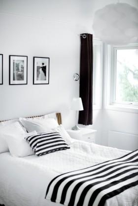 黑白经典配色打造现代复式楼