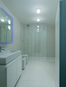 朦胧梦幻的二居室卫生间瓷砖装修效果图大全