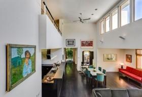 现代色彩明朗的复式楼开放式厨房装修效果图大全