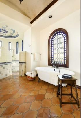 乡村元素的东南亚风格装修卫生间浴缸图片