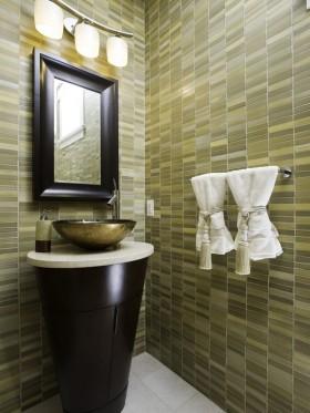 小户型现代风格卫生间瓷砖效果图片