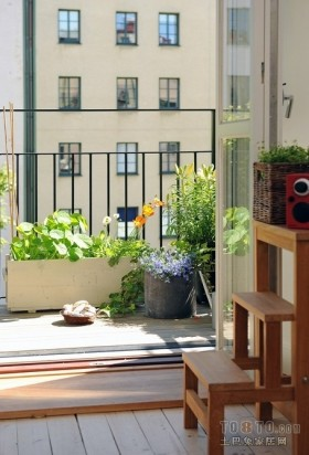 水景阁美式风格80平房屋阳台装修设计图