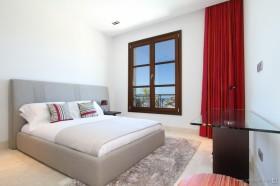 西班牙马略卡岛休闲别墅 舒适的卧室装修效果图