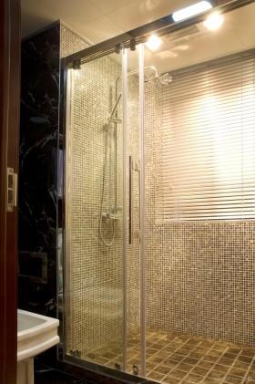 古香古色三室一厅卫生间瓷砖装修图
