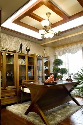 古香古色三室一厅书房装修图