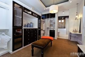 黑与白卧室衣柜效果图 后现代风格装修效果图