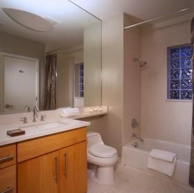70平米小户型现代卫生间装饰效果图